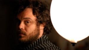 """Clipe: Rodrigo Amarante lança vídeo animação para """"Mon Nom"""""""