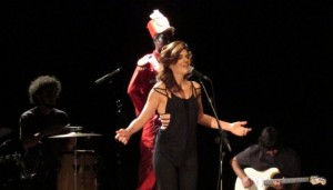 "Resenha: Mariana Aydar – Turnê ""Pedaço Duma Asa"" (Belo Horizonte – 01.10.2015)"