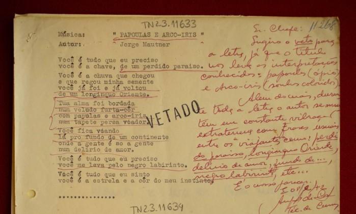 Muitas vezes Notícias: Acervo censurado na ditadura revela letras inéditas de  XT44