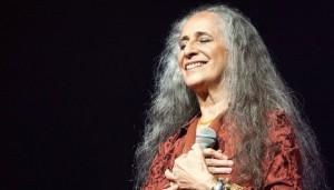 Streaming: Maria Bethânia – Abraçar e Agradecer