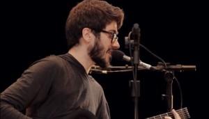 "Live: Tó Brandileone na ""Mostra Cantautores"""