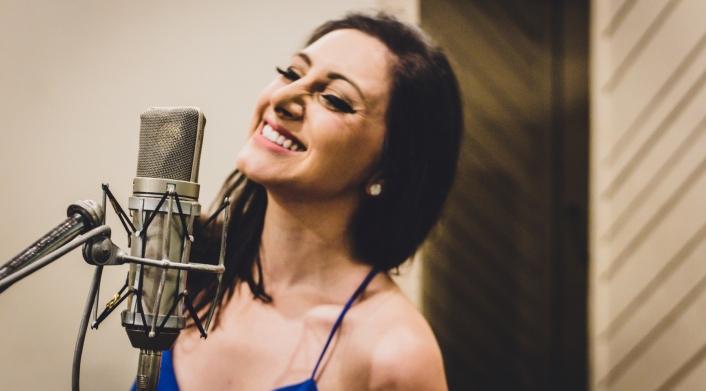 central-da-mpb-lilian-cantora-divulgaçao-webclipe-egide-foto-Alice-Venturi