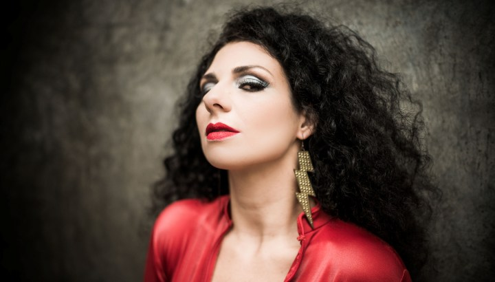 central-da-mpb-capa-segundo-album-disco-cd-julia-bosco-dance-com-seu-inimigo-foto-donatinho-1