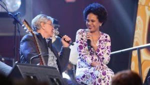 Notícias: Caetano Veloso e Teresa Cristina saem em turnê