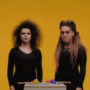 Lyric Video: As Bahias e a Cozinha Mineira – Dama da Night