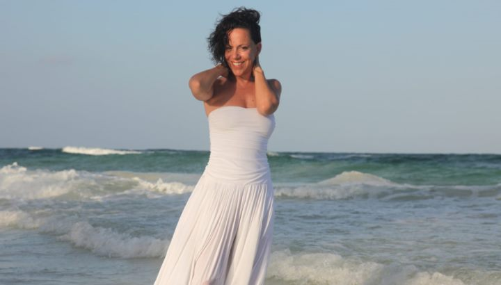 Streaming: Bebel Gilberto – Live at the Belly Up